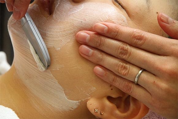 お顔剃りのステップ2 イメージ