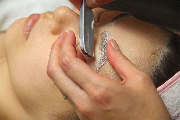 お顔剃りのステップ4 イメージ